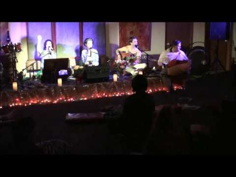 Hare Krishna - Lilly And Friends with Nimai at Mdranga