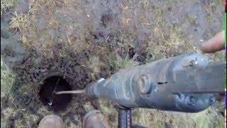 видео Монтаж железобетонных труб на большую глубину