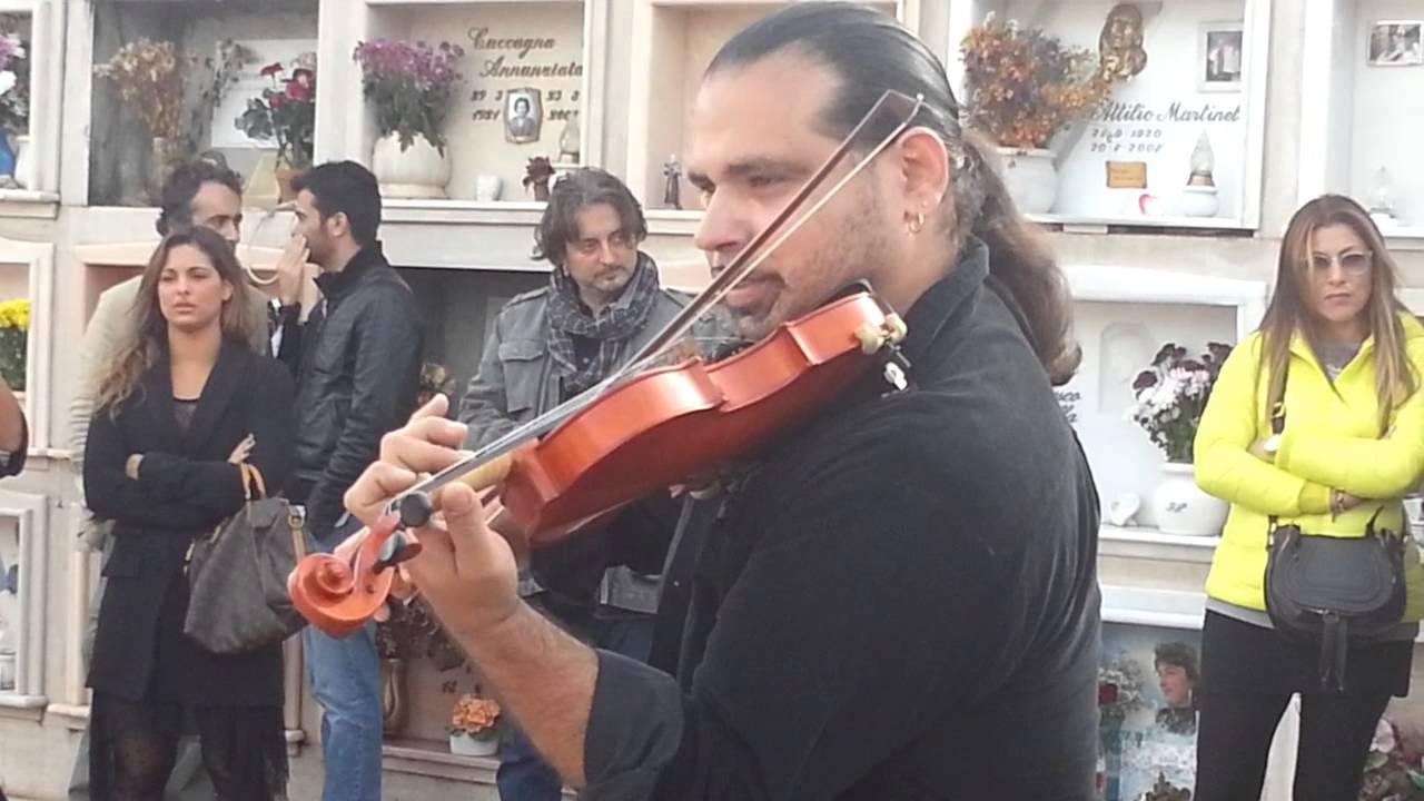 Cerimonia benedizione tomba Franco Califano - YouTube