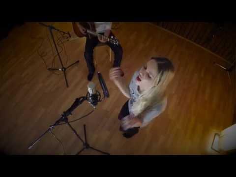 Emjoy - Self-help (live in studio)