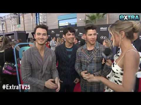Joe Jonas Dropped a Wedding Hint on the Billboard Red Carpet! Mp3