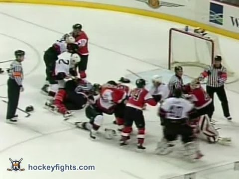 Senators vs Flyers Mar 5, 2004 - beginning of brawl