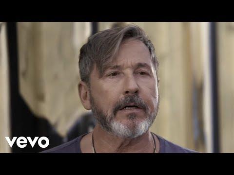 Ricardo Montaner - Un Hombre Normal (Official Video)