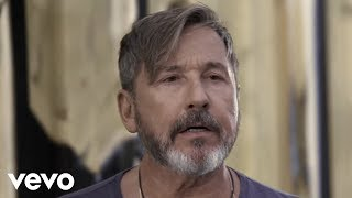 Ricardo Montaner - Un Hombre Normal (Official Video) thumbnail