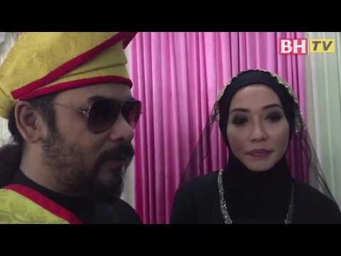 Majlis pernikahan penyanyi Awie dan Sharifah...