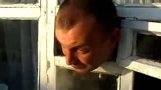 Пьяный мужик застрял в форточке   Подборка видео от 09 12 2013