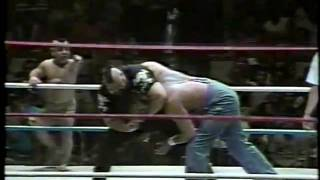 WWF - Little Beaver Gets Squashed by the One Man Gang PART 1 of 2 (1988)