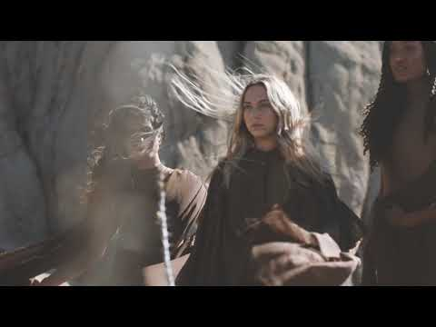 Смотреть клип Molly Kate Kestner Ft. Brock Monroe - Get Up