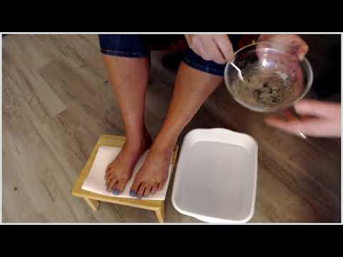 diy-detox-foot-bath~-with-bentonite-clay-&-apple-cider-vinegar