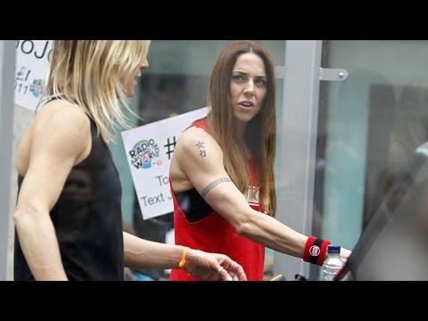 Mel C viser muskler i London