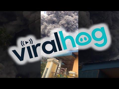 Volcano Eruption in Indonesia     ViralHog
