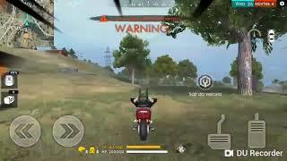 Uma moita em cima de uma moto kkkkkk