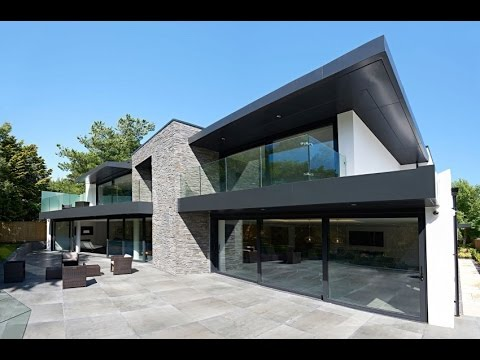 Contemporary House Design With Natural Material, Ensuring