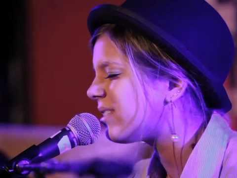 Nashville Hootenanny  Aria Summer Wallace iCarly