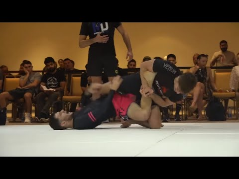 Gianni Grippo RIPS a heel hook at Emerald City  😳