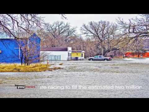 YouNews - Fargo, ND Red River Flooding, Sandbagging HD