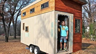 Студент построил дом площадью 14 квадратных метров, чтобы не платить за жилье. Интерьер впечатляет!