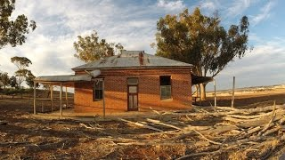 Exploring an Abandoned Early 1900's Western Australian Wheat & Sheep Farm Homestead - Part 1