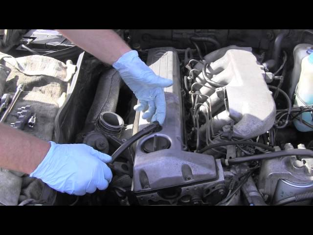Mercedes Valve Cover Removal, Diesel Engine OM603