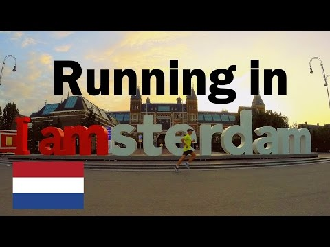 Running along the canals in Amsterdam, NETHERLANDS (Hardlopen in Amsterdam)