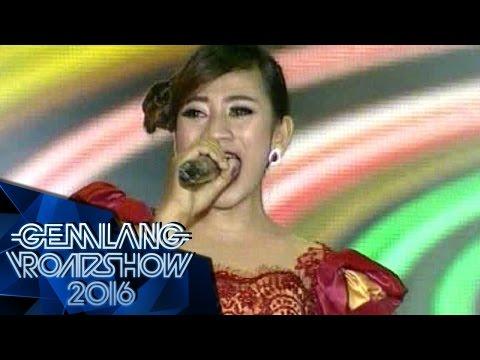 Ayu Lia feat Dewi Amour