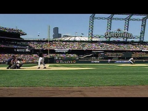 ARI@SEA: Griffey Jr. hits first homer at Safeco Field