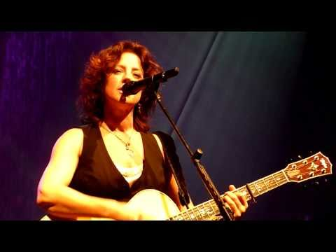 Sarah McLachlan - The Path of Thorns (Terms) (Live: Austin City Music Hall) [720p]