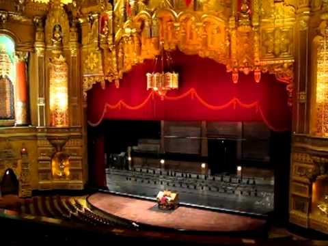 Wurlitzer organ at the Fox Theatre in Detroit
