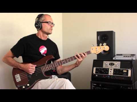 L374 Rock bass with MXR Bass Overdrive, how to play bass