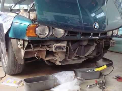 ซ่อมแอร์ BMW E-34 525i ตู้แอร์รั่ว รถใช้งานมาก่วา 2 แสนกิโลเมตร
