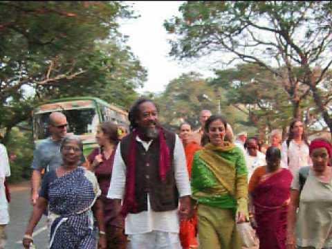 From Recognition to Realization ~ Chai Shop Satsang with Mooji Tiruvannamalai, India 2009