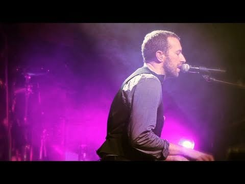 Coldplay - Christmas Lights (Live from Liverpool)