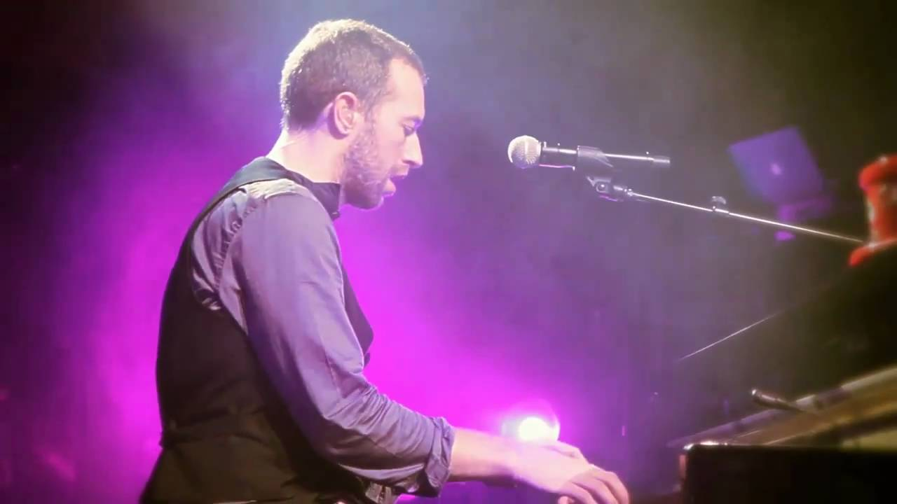 Download Coldplay - Christmas Lights (Live from Liverpool)
