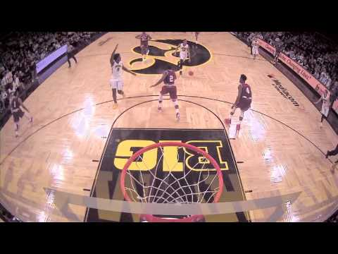 Williams to Cook lob dunk ties it up against Indiana