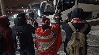"""Болельщики """"Арсенала"""" встретили футболистов любимой команды в лобби отеля"""