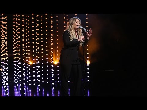 Ella Henderson Performs 'Ghost'