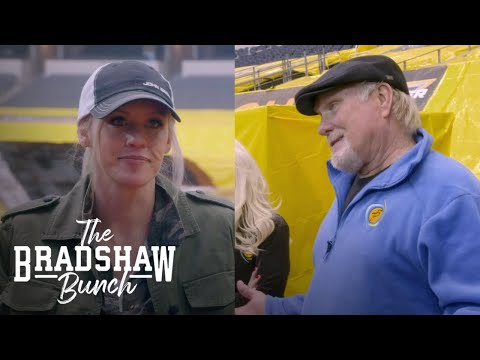 Lacey Bradshaw Challenges Terry to a Monster Jam Truck Race | The Bradshaw Bunch | E!