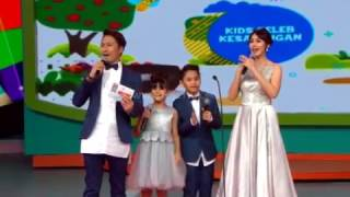 "Video Bilqis (Ayu Ting Ting) "" Kids Seleb Kesayangan "" - Mom & Kids Awards (19/12) download MP3, 3GP, MP4, WEBM, AVI, FLV November 2018"