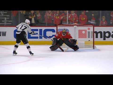 Kings and Blackhawks battle it out in a shootout