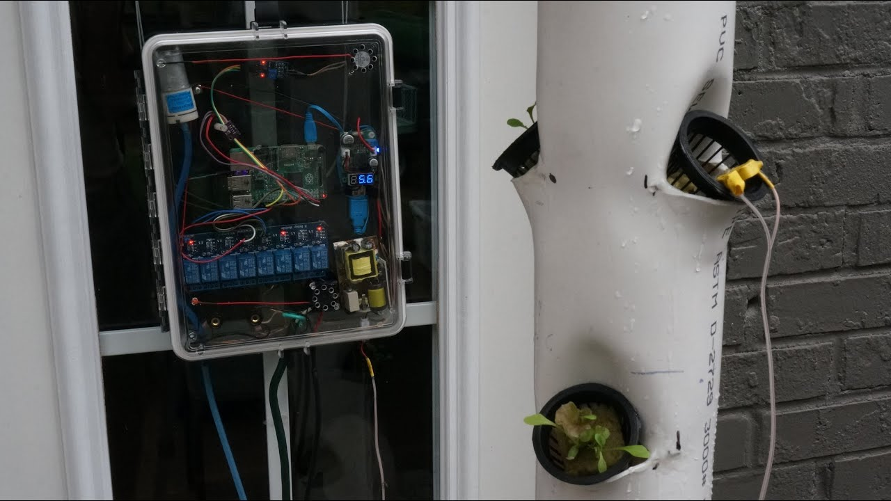Raspberry Pi controlled Hydroponic System on Grow Aquaponically