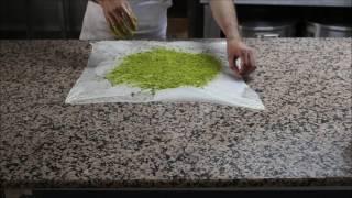 Gaziantep fıstıklı katmer tarifi Köşkeroğlu Baklava yorumuyla