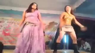 New Madhos kardene Walli, DESI Thumkaa on stage short skirt dance