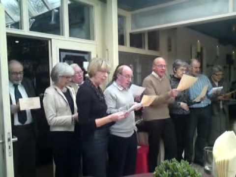 lied 40 jarig huwelijksfeest Familie zingt een lied tijdens 40 jarig huwelijksfeest Ria en Rian  lied 40 jarig huwelijksfeest