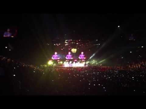 Bruno Mars @ Prague - Treasure LIVE HD