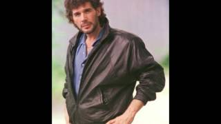 Watch Eddie Rabbitt Sure Thing video
