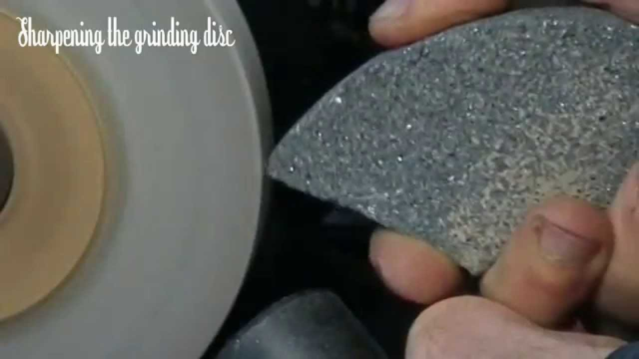 Maintaining Dressing And Using A White Corundum Grinding