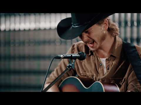 "Brewery Sessions - Colter Wall - ""Kate McCannon"""