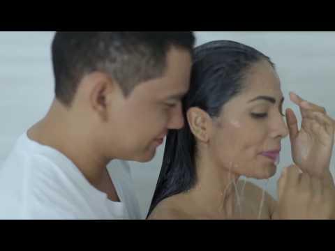 Cesar Castro y su Alto Calibre  - La más linda | Video oficial