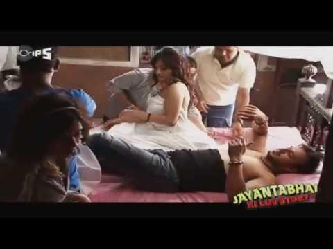 Romance from Jayantabhai Ki Luv Story  - Behind The Scenes