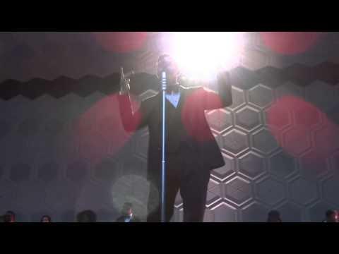 Justin Timberlake - Intro + Pusher Love Girl (Stade de France)